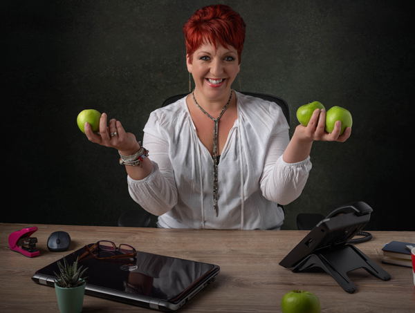andrea hardiman with apples